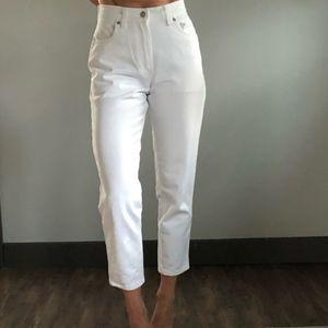 Levi's vtg 550 | ankle cropped | white denim jeans